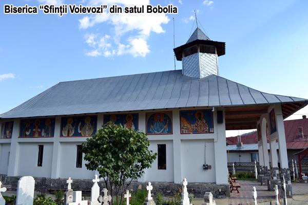 Biserica Sfintii Voievozi Bobolia Comuna în imagini